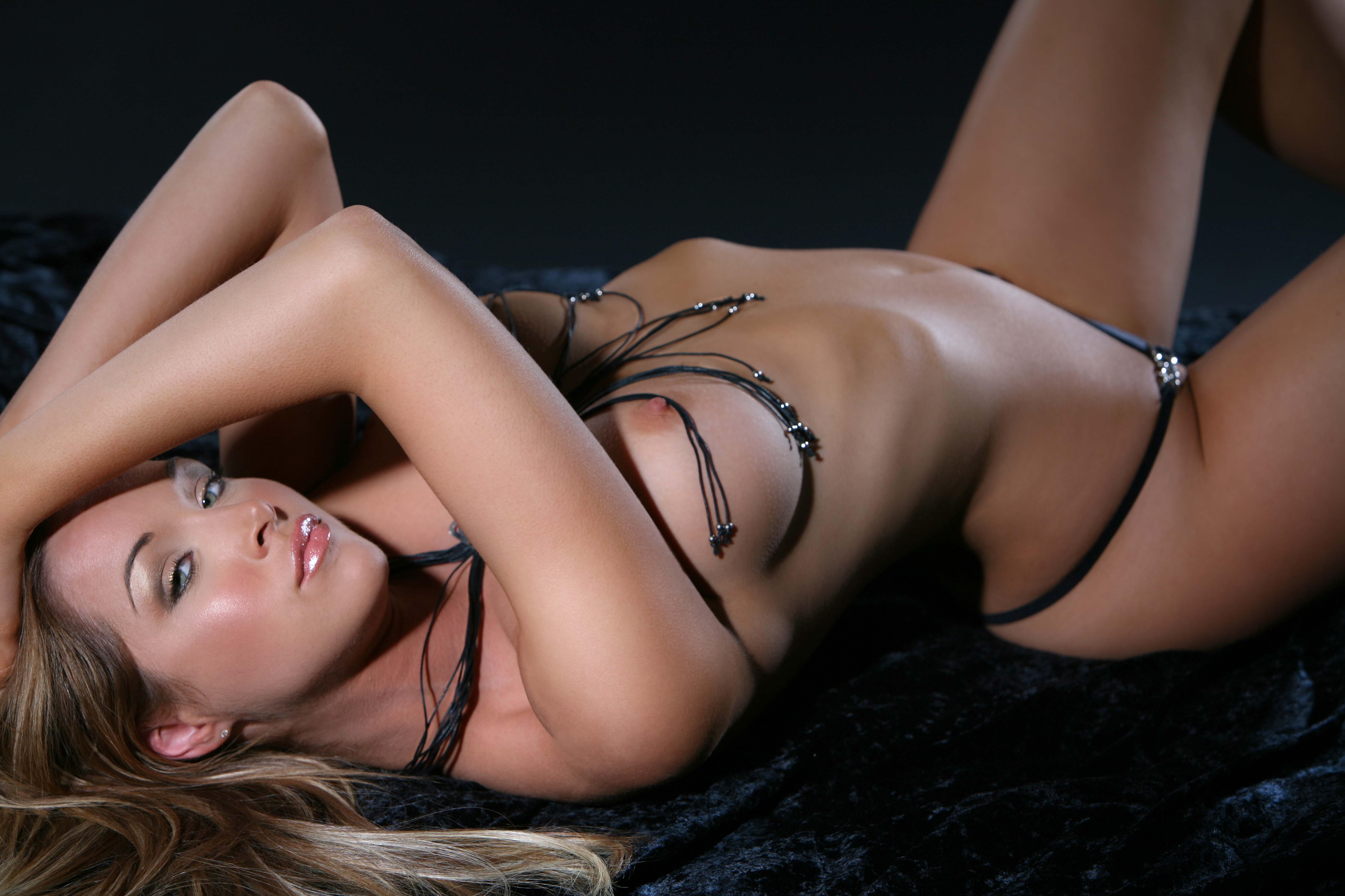 emily scott naked pics